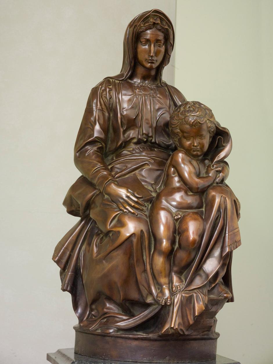 bruges-madonna-michelangelo-sculpture